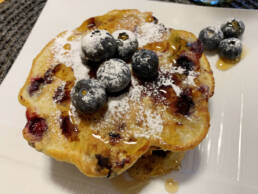 Make-breakfast-with-me-blueberry-pancakes-and-green-smoothie-ft-my-sister-1900